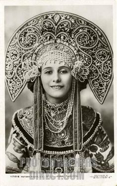 Anna Pavlova in a traditional Kokoshnik/Russian headgear. 1911.