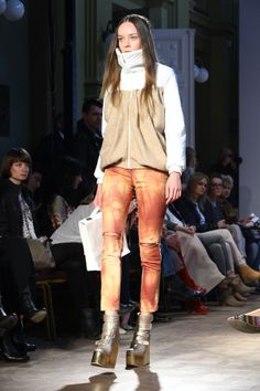 MONIKA GROMADZIŃSKA, Fall - Winter 2013 / 2014, Off out of Schedule, 8. FashionPhilosophy Fashion Week Poland, fot. Katarzyna Ułańska #gromadzinska #monikagromadzinska #fashionweek #fall2013 #winter2013 #fw13 #aw13 #off #youngdesigners #fashioninspirations #trends #fashiondesigners #polishfashiondesigners #offoutofschedule #fashion #fashionweekpl #fashionweekpoland #fashionphilosophy