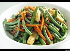 Vegetarian Stir-Fried Garlic Scapes - cut scapes smaller if near end of season and woody. Scape Recipe, Cooking Wine, Asian Cooking, Stuffing Recipes, Vegan Dishes, Veggie Recipes, Fried Garlic, Green Beans, Side Dishes