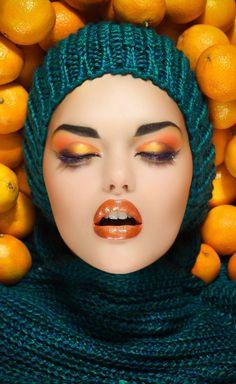 Love orange eyeshadows. Also, want that yarn.