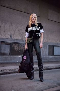 View the full Givenchy Pre-Fall 2017 collection.