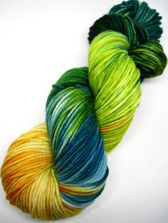 Colorway: Sweet Breeze Hand Dyed by Jennifer 100% Superwash Merino Wool 231 yards / 100 grams DK Weight 5-6 sts / inch on #4-6 needles