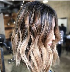 35 Balayage Hair Color Ideas for Brunettes in The French hair coloring technique: Balayage. These 35 balayage hair color ideas for brunettes in 2019 allow to achieve a more natural and modern eff., Balayage Source by shortpixiecut Onbre Hair, Dye Hair, Prom Hair, Hair Ponytail, Hair Tie, Creamy Blonde, Brown Blonde Hair, Blonde Streaks, Dark Brown To Blonde Balayage