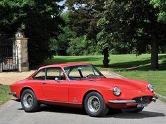 1969 Ferrari 365 GTC   Colombo V12, 4,390 cm³   320 bhp   Design: Pininfarina