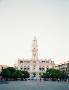 Portugal Wedding Photographer is based in Lisbon and documents destination weddings throughout whole Portugal by an experienced wedding photographer Central Square, Lisbon Portugal, Algarve, Engagements, Destination Wedding Photographer, Couple Photography, Architects, Building, Places