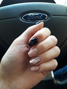 Here are the 10 most popular nail polish colors at OPI - My Nails Perfect Nails, Gorgeous Nails, Love Nails, Pink Nails, Pretty Nails, My Nails, Glitter Gel Nails, Gelish Nails, Nail Nail