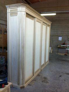 Armadio in legno ante a scorrere grandi dimensioni,realizzato su misura. legnoeoltre.altervista.org