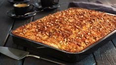 Eplekake i langpanne | Oppskrift - MatPrat Sarah Bernard, Norwegian Food, Norwegian Recipes, Recipe Boards, No Bake Desserts, Recipe Box, Banana Bread, Macaroni And Cheese, Nom Nom
