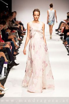 anelia peschev SS15 Ss 15, Formal Dresses, Fashion, Moda, Formal Gowns, La Mode, Black Tie Dresses, Fasion, Gowns