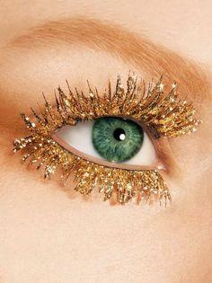 goldene Wimpern