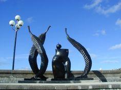 Wellington Waterfront is a public recreation destination under development in the capital of New Zealand (NZ). Here you can spend time in Wellington visiting a . New Zealand Cruises, New Zealand Travel, Garden Sculptures, Sculpture Art, Capital Of New Zealand, Wellington New Zealand, Maori People, Cruise Port, Outdoor Art