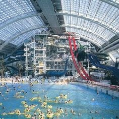 The West Edmonton Mall in Alberta, Canada-one of the top 10 largest malls in the world! This is the indoor waterpark in the mall. Vacation Destinations, Dream Vacations, Vacation Spots, Oh The Places You'll Go, Places To Travel, Places To Visit, My Pool, Wave Pool, Pool Water