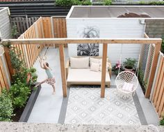 Wooden Pergola - Backyard Pergola With Curtains - Pergola Swing Plans - Pergola Plans Photo Galleries - Pergola Wedding DIY - Pergola Bois Spa Small Terrace, Terrace Garden, Small Patio, Balcony Gardening, Diy Garden, Garden Boxes, Herb Garden, Indoor Garden, Gardening Tips