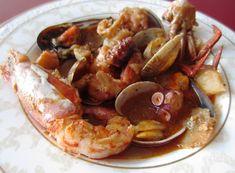 Pulpo con patatas y marisco. Un guiso con todo el sabor del mar hecho por la autora del blog Deliciosa Gula. Encuentra otros guisos y recetas en su Facebook https://www.facebook.com/DeliciosaGula.