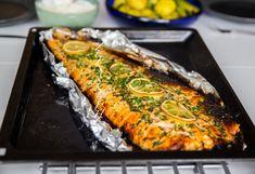 Ugnsbakad lax med smör och vitlök - ZEINAS KITCHEN Fish Recipes, Lunch Recipes, Healthy Recipes, Recipies, Lchf, Zeina, Swedish Recipes, Baked Salmon, Vegan Foods