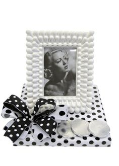 White Frame and Chocs Ladies Gifts, Gifts For Women, Beautiful Gifts, Frame, Home Decor, Picture Frame, Decoration Home, Room Decor, Frames