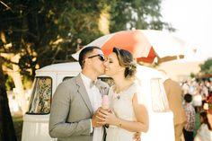 Casamento Retrô no Campo – Claudia e João http://lapisdenoiva.com/casamento-retro-claudia-e-joao/ Foto: Aloha Fotografia