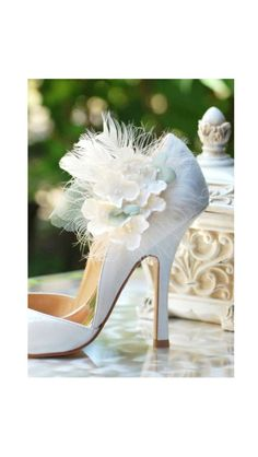 Shoe Clips Ivory & Celadon Hydrangea. Summer Garden Elegant Bridesmaid Bride, More lavender apple green hot pink. Pearl / Gem Feathers Tulle