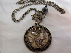 Oh this pocket watch! Want!