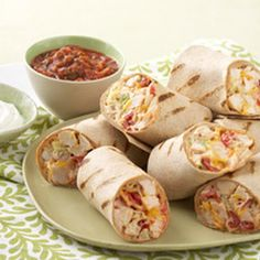 Mexican Grilled Chicken Wrap @keyingredient #cheese #chicken #tomatoes #easy