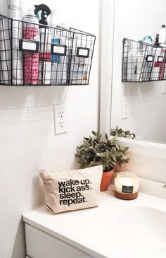 Try This: Wire Basket Storage easy bathroom organization from MichaelsMakers The. - Try This: Wire Basket Storage easy bathroom organization from MichaelsMakers The Clueless Girl - Dorm Room Organization, Bathroom Organisation, Organization Ideas, Storage Ideas, Shelf Ideas, Budget Storage, Storage Boxes, Storage Solutions, College Dorm Storage