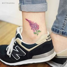 Lilac Tattoo on Ankle by Anna Botyk Party Tattoos, Mom Tattoos, Small Tattoos, Tattoos For Women, Tiny Tattoo, Tatoos, Lilac Tattoo, Flower Tattoos, Floral Tattoo Design