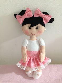 Babados & Bordados: Mini Bonequinha em Feltro
