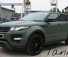 Range Rover Discover Images and videos of luxury matte Army green Land Rover Range Rover Evoque Land Rover Car, Jaguar Land Rover, Land Rover Defender, Range Rover Evoque, Range Rover Sport, Range Rovers, Super Sport, Super Cars, Fancy Cars