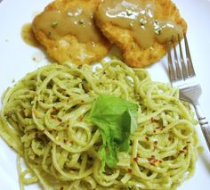 New Recipe on the blog today: Creamy Avocado-Basil Pasta with @gardein Turk'y Cutlets {http://crumbsandcouture.tumblr.com/post/42383365406/creamy-avocado-basil-pasta-with-gardein-turky} #vegan