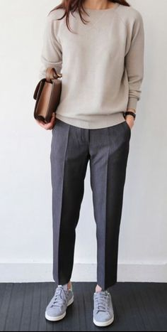 30 Comfy Office Outfits To Wear All Day Long casual office outfit / nude top + bag + sneakers + grey pants Fashion Mode, Work Fashion, Trendy Fashion, Fall Fashion, Trendy Style, Feminine Fashion, Boyish Style, Ladies Fashion, 50 Style
