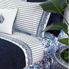 Ralph Lauren Palm Harbor Stripe I have had two blue and white Ralph Lauren bedroom sets! Blue Rooms, White Rooms, Blue Bedroom, Master Bedroom, Ralph Lauren, Love Blue, Blue And White, White Houses, Chinoiserie