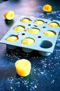 Moelleux au lemon curd - Rappelle toi des mets Lemon Desserts, No Cook Desserts, Lemon Recipes, Mini Desserts, Sweet Recipes, Lemon Curd Dessert, Dessert Au Citron, Petit Dessert, Elegant Cupcakes