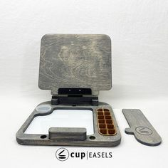 Superlite Cup Easel Pochade Box, Easels, How To Make Paint, Oil Painters, Plastic Molds, Gouache, Canvas Size, Canning, Creative
