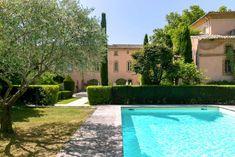 Hôtel de luxe avec piscine en Provence