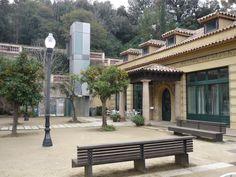 La plaça del Jardí de la Font del Gat.