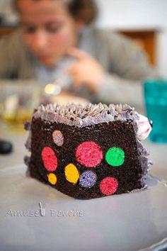 The Monster Cake d'Amuse Bouche avec un intérieur rigolo !