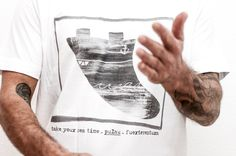 black and white fin t-shirt! Pulaumi independent surfing label from Fuerteventura! www.pulaumi.com Textiles, Surfing, Label, Reusable Tote Bags, Sea, T Shirts For Women, Black And White, Fashion, Moda