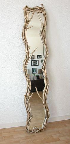 Miroir vertical en bois flotté par Benoit Galloudec -  http://www.caracterenaturel.com