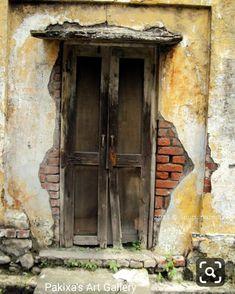 Vintage Doors, Antique Doors, Old Doors, Diorama, Old Windows, Windows And Doors, Entrance Doors, Doorway, Painted Doors