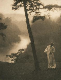 Early photograph: Clarence White. Morning Dew. 1908.