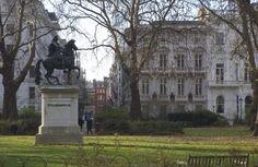 Saint james Square avec la statue de Guillaume d'Orange -  Londres (Angleterre) © Maurice Rougemont