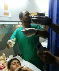 Doctor in Gaza having his iftar while caring for the injured. May Allah accept his fasting and give him the highest ranks in Jannah for his efforts. A'ameen