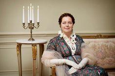 Greta Scacchi playing Countess Rostov