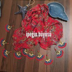 Renklendik #needlelace #handmade #nofilter #lace #turkishneedlelace #iğneoyası #i̇peğinbüyüsü #nostalji #ipekiğneoyası #elişi #kişiyeözel #scarft #fular #red #kırmızı