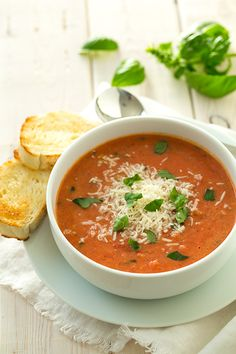 Creamy Tomato Basil Soup with Roasted Garlic and Asiago Cheese - Cooking Classy. I love hot soup Fall & winter, tomato basil cheese is one of my favorites I make all the time. This one sounds wonderful. Tomato Basil Bisque, Creamy Tomato Basil Soup, Vitamix Soup Recipes, Tomato Soup Recipes, Blender Recipes, Slow Cooker Recipes, Cooking Recipes, Healthy Recipes, Healthy Soups