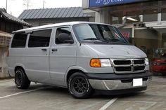 I want a Dajiban! A Japanese road race spec Dodge Van! Dodge Ram Van, Chevy Van, Old School Vans, Chrysler Cars, Panel Truck, Rims For Cars, Custom Vans, Car Ford, Chevy Trucks