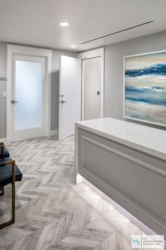 LA Healthcare Design is committed to designing aesthetic and functional healing spaces that add vitality and beauty to your Medical Office and Space. Clinic Interior Design, Clinic Design, Healthcare Design, Medical Office Decor, Dental Office Design, Dental Reception, Commercial Design, Plastic Surgery, Facial