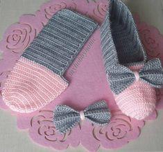 Most Trendy Women's Knit Booties – Knitting And We Crochet Slipper Boots, Crochet Slipper Pattern, Knitted Booties, Knitted Slippers, Slipper Socks, Diy Crafts Crochet, Crochet Projects, Knitting Patterns, Crochet Patterns