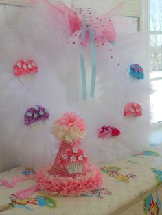 DIY wreath for cupcake party