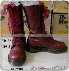 Dr Martens 9733 cuir souple Cherry red lacets satins dentelles ☠ Dr. Martens Collection Personnelle ☠ Pas à vendre ☠ #dandygirl65